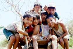 Kids Near Mi Lai